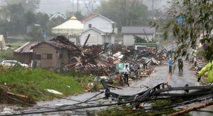Zniszczenia po tajfunie Hagibis w Japonii (PAP/EPA)